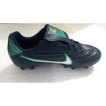 Chuteira Nike Premier II FG