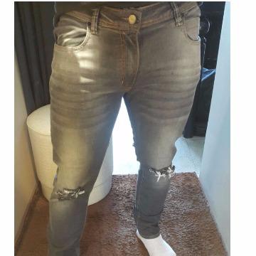 calça calvin klein jeans cinza 44