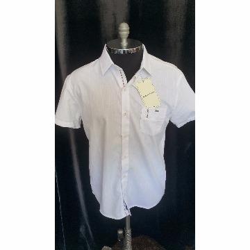 Camisa branca de botao manga curta scaven P