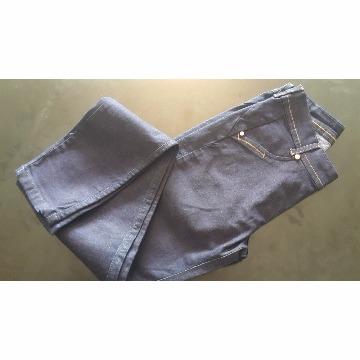 calça jeans básica azul escuro