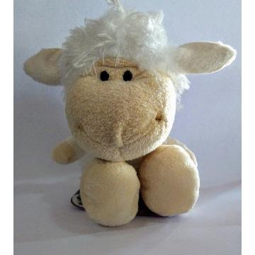 Brinquedo de Pelúcia Ovelha