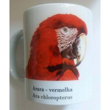 Arara-Vermelha - caneca de porcelana